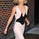 charlize-theron-vestido-moda-2012