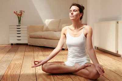 Imagen vía: Yoga relajación